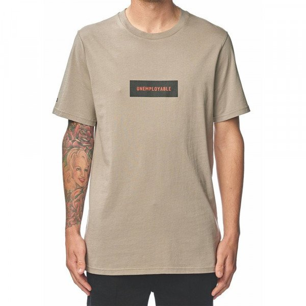 GLOBE T-SHIRT UNEMPLOYABLE BOX TEE SAND S19